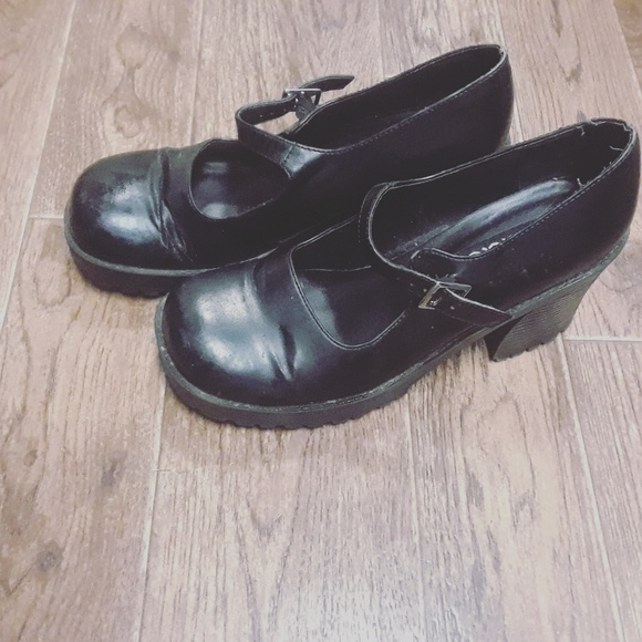 0af58a0c0c4ba Mudd | 90's Chunky Heel